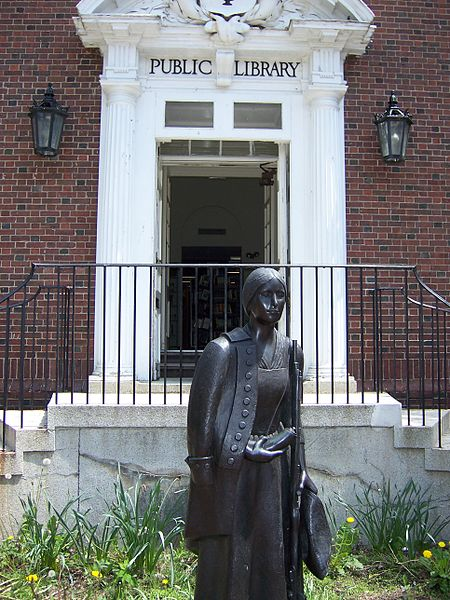 Statue of Deborah Sampson at the Sharon Library, Sharon, Mass