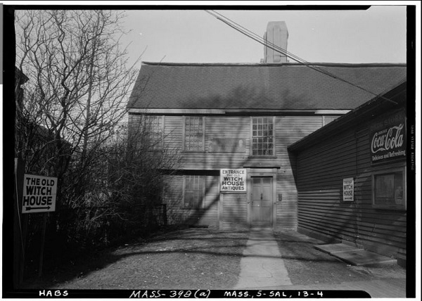 The Witch House Antiques store, Salem, Mass, photographed by Frank O. Branzetti, circa November 1940