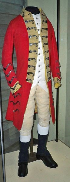 A redcoat uniform worn by a British soldier in the American Revolution on display at the Smithsonian National Museum of American History, photographed by Matthew Bisanz in 2009