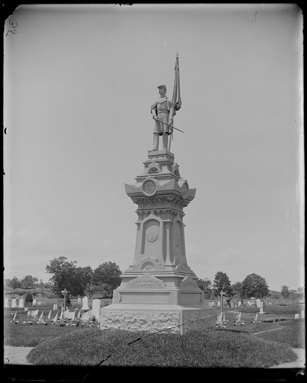 Monuments, Soldiers' Monument, Greenlawn Cemetery, Salem, Mass, photo by Frank Cousins